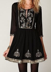 Black Round Neck Embroidered Slim Dress