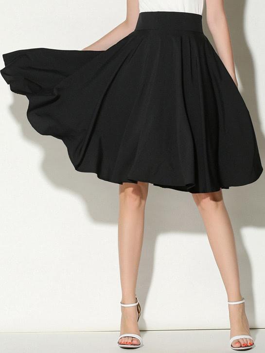 Чёрная плиссированная юбка на завышенной талии от SheIn