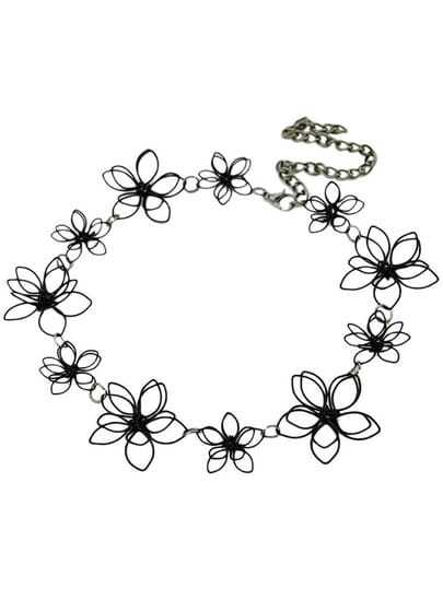Pretty Black Flower Necklace