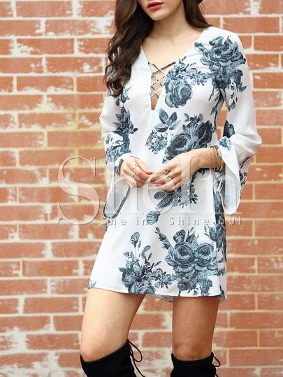 http://www.shein.com/White-Long-Sleeve-V-Neck-Floral-Dress-p-248738-cat-1727.html?utm_source=truskawkowakawa.blogspot.com&utm_medium=blogger&url_from=truskawkowakawa