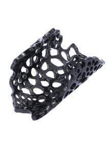 Black Openwork Flower Ring
