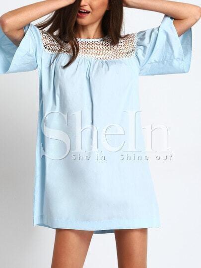 Robe manche évasée avec dentelle crochet -bleu clair