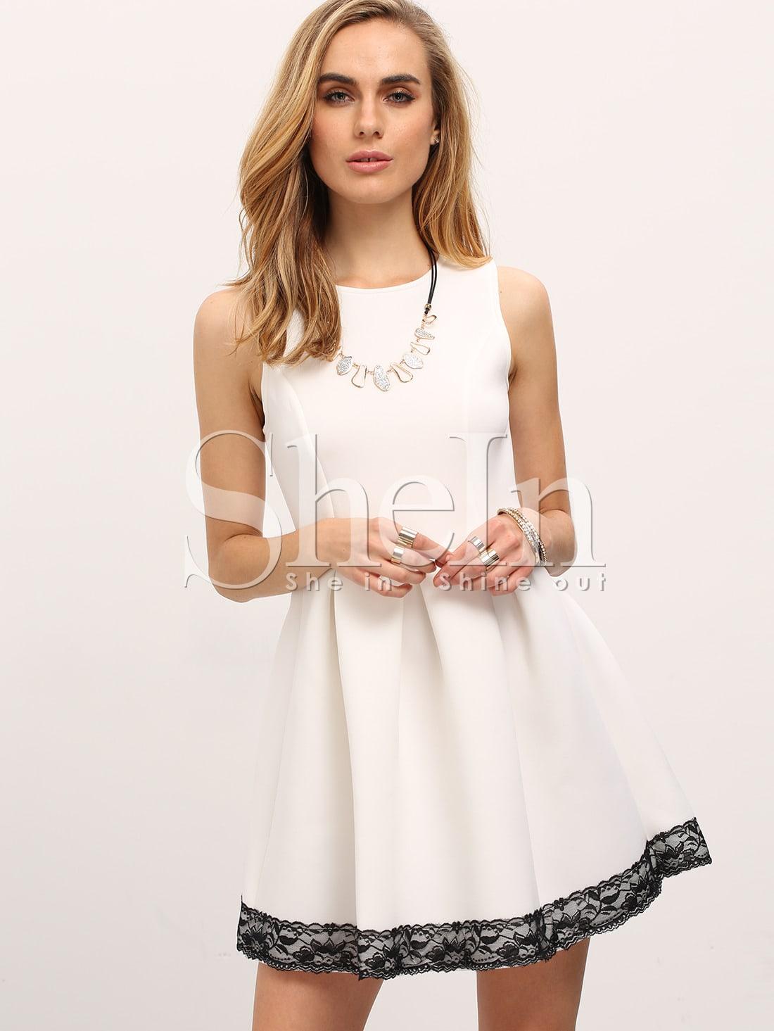 Платья с белыми оборками