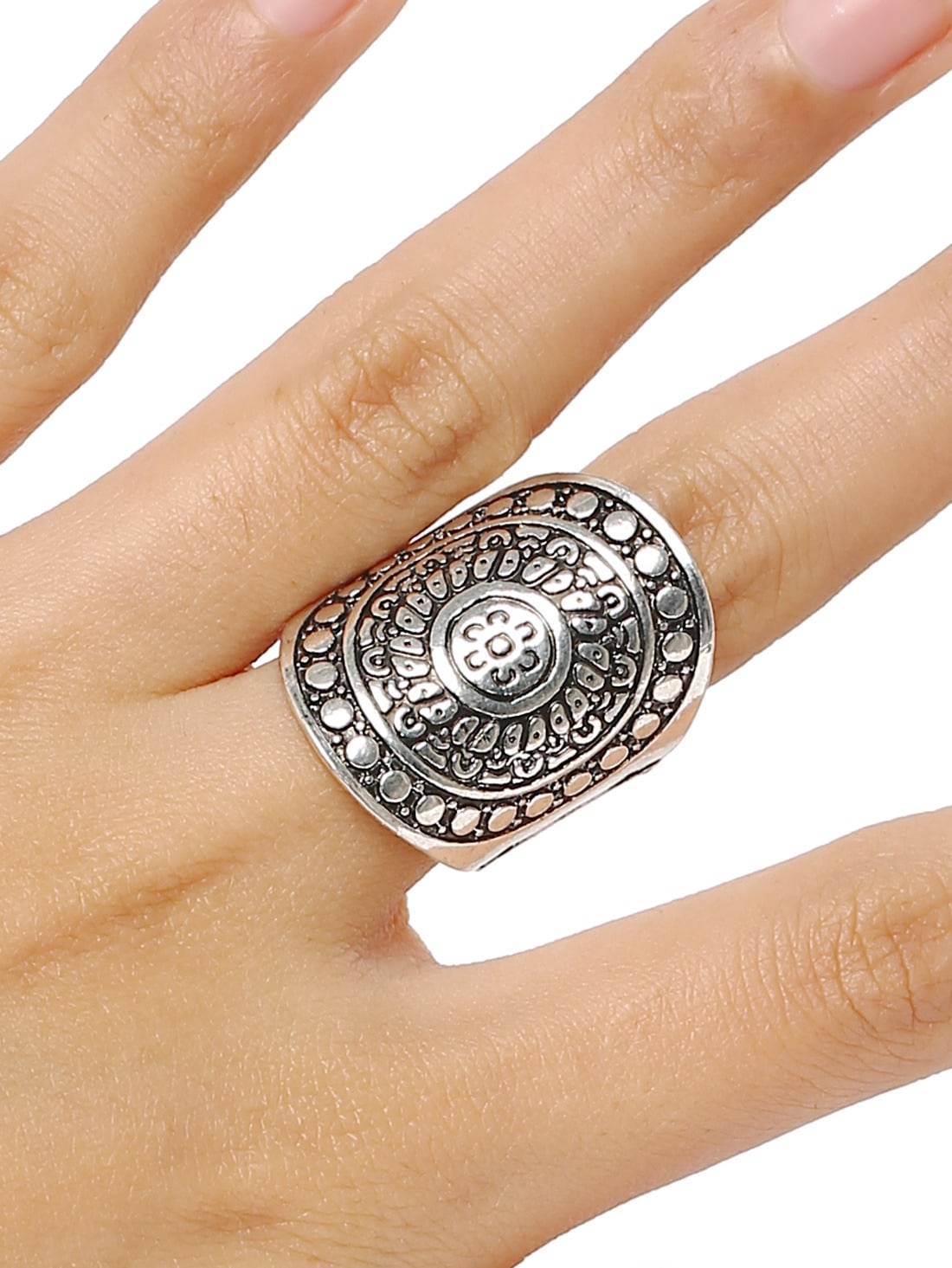 Vintage style fashion rings 70