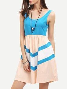 Color Block Pleated Scoop Neck U Back Dress