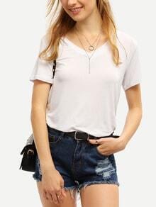T-Shirt mit V-Ausschnitt-weiß