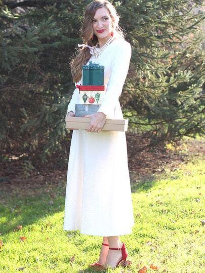 Белое клеш платье с длинынми рукавами