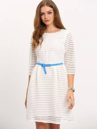 Белое полое полосатое клеш платье с половиной рукава