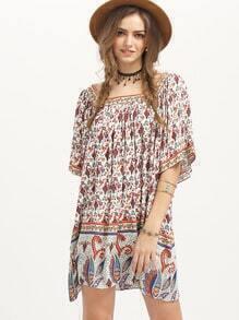 Стильное платье с этническим принтом с средним рукавом