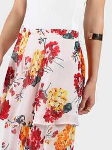 Zip Back Floral Tiered Maxi Skirt pictures