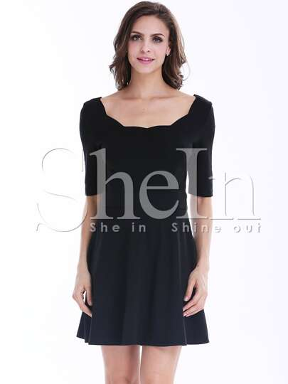 Black Half Sleeve Backless Pleated Dress