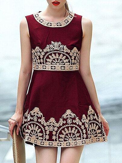 robe brodé sans manche col rond -rouge bordeaux