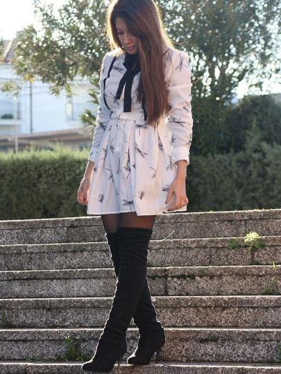 فستان ابيض طباعة اليعسوب كم طويل