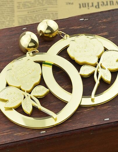 2015 New Coming Gold Plated Round Shaped Flower Big Earrings