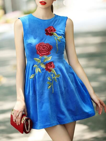 Vestido cuello redondo rosa bordado -azul