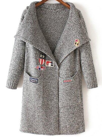 pull avec poches brodé -gris