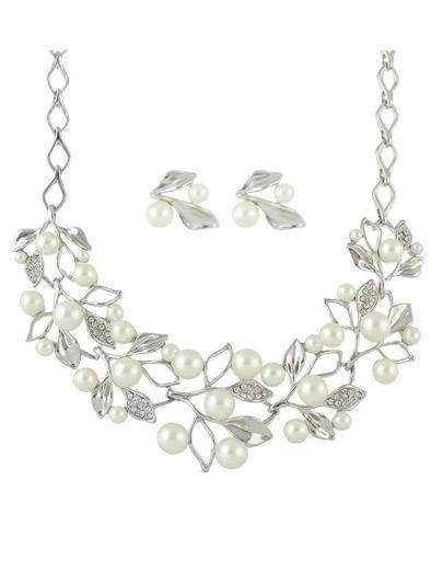 Silver Pearl Jeweley Set