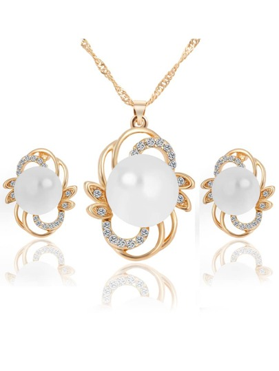 Gold Pearl Flower Shaped Jewelry Set