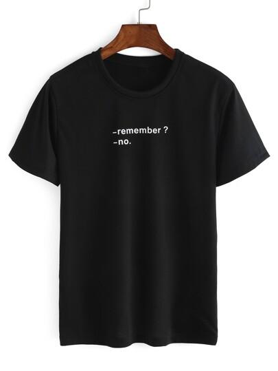 Чёрная футболка с текстовым принтом