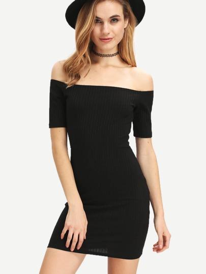 فستان بوديكون أسود مكشوف الكتف