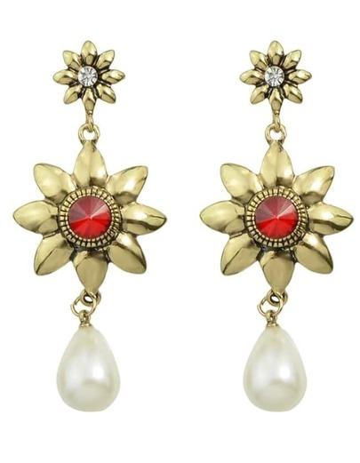 Flower Shape Pearl Hanging Earrings