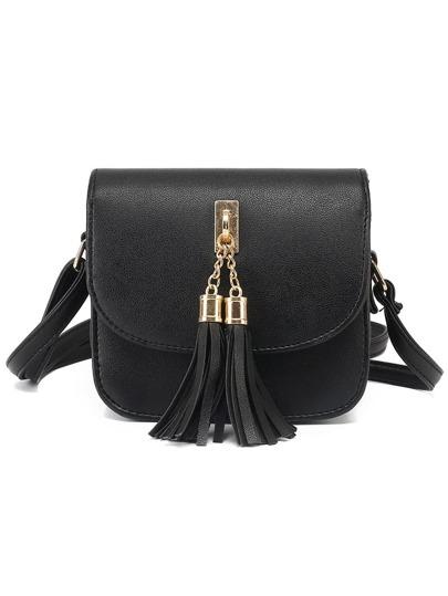 Чёрная модная сумка с оригинальной отделкой
