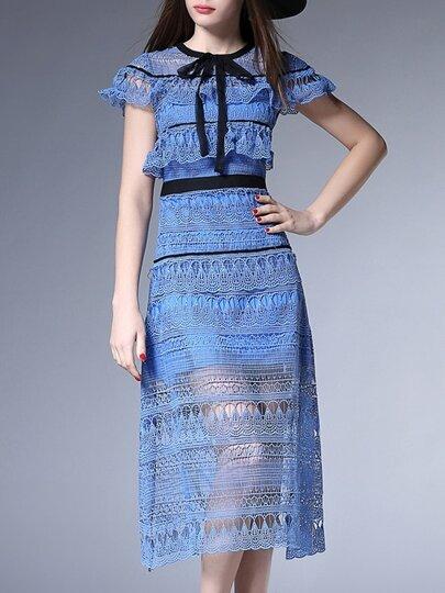 فستان أزرق بدانتيل وكشكش