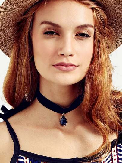 Black Velvet Pendant Choker Necklace