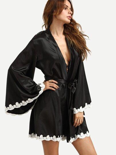 Pyjama kimono cache-cœur avec dentelle et crochet - noir