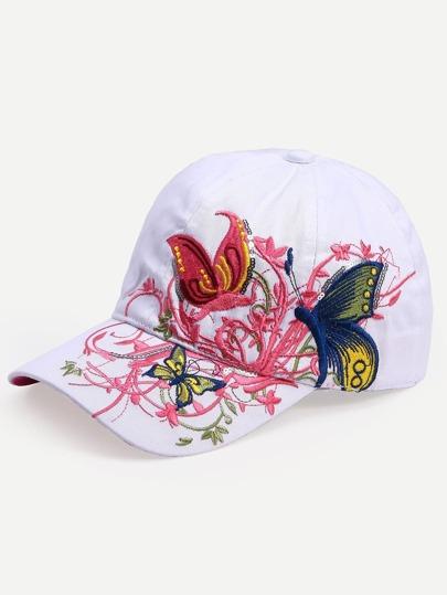Белая модная кепка с вышивкой