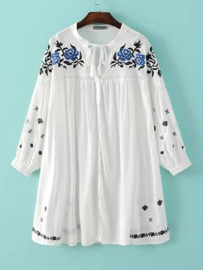 White Elastic Cuff Embroidery Tassel Tie Shift Dress