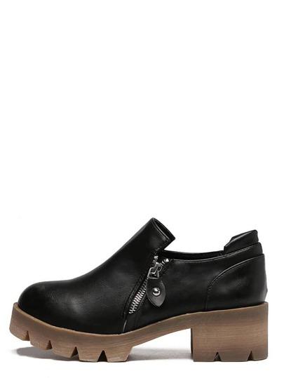 Чёрные модные ботинки