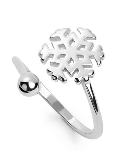 Silver Snowflake Shaped Ring