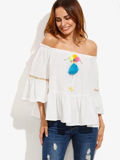 schulterfreie Bluse mit Rüschen - weiß