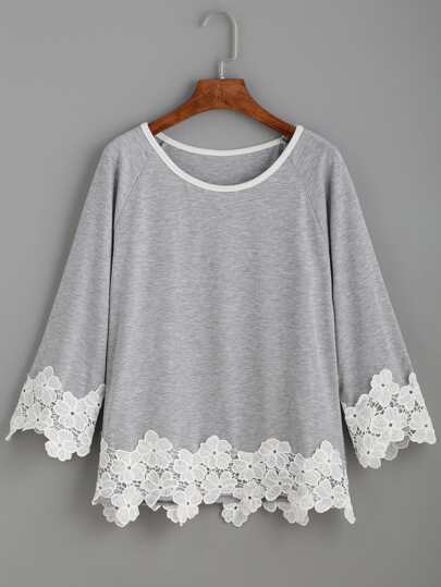 Raglan Sleeve Contrast Applique T-shirt