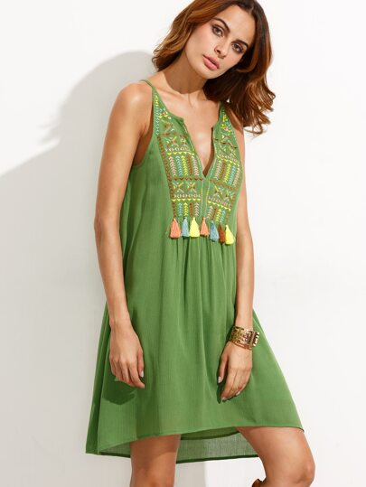 Green Sleeveless Embroidered Tassel Shift Dress