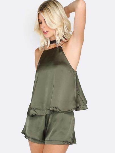 Top de tirantes con pantalones cortos de satén - verde oliva