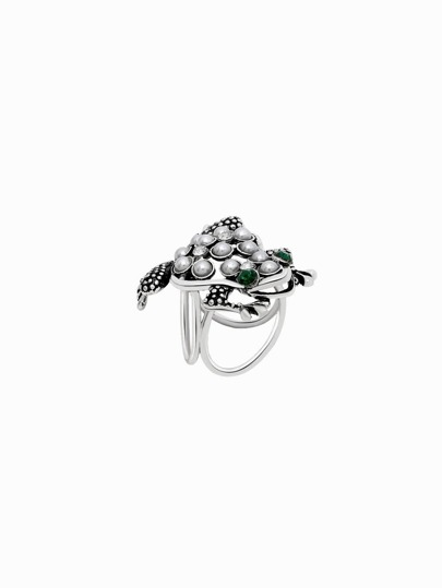 Серебристое кольцо для шарфа с камнем