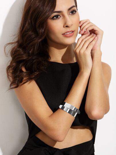Серебристый стильный браслет на руку