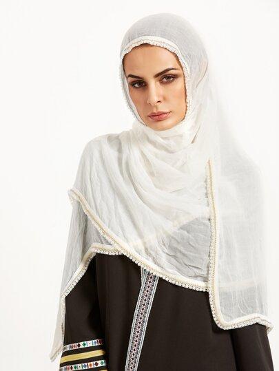 Белый шарф с жемчугом с арабском стиле