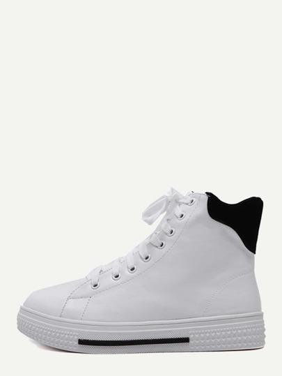 Sneakers en similicuir avec lacet - blanc