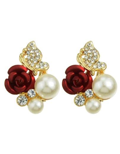 Pendientes con perla y flor con tachuelas