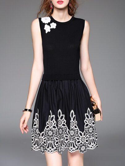 Vestido sin mangas con bordado - negro