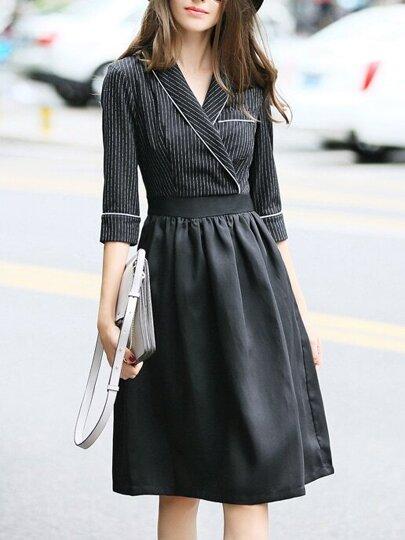 Vestido a rayas con escote V - negro