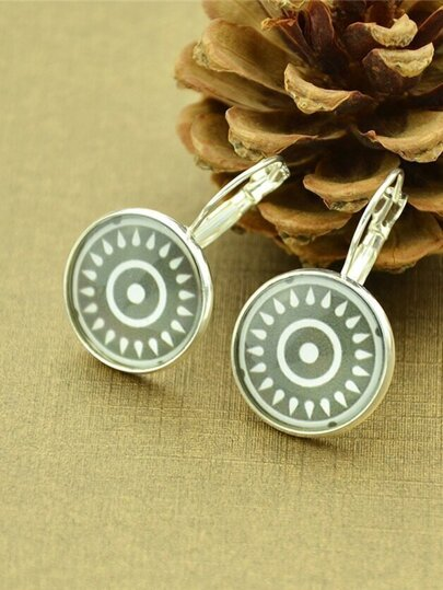 Silver Ethnic Design Sun Pattern Round Earrings