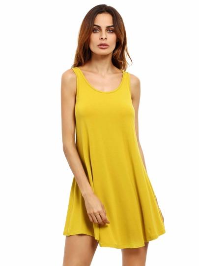 Gelbes Schwingtankkleid