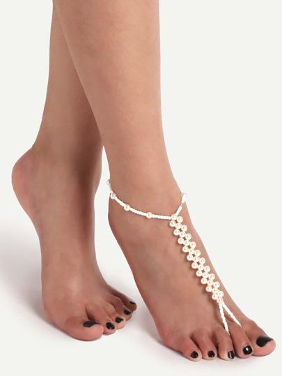 Белое украшение для ног с жемчугом