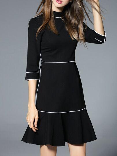 Vestido manga media con bajo volantes - negro