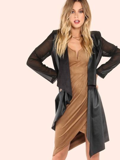 Abrigo de piel sintético con manga de gasa y solapa de ante - negro