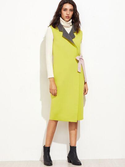 Abrigo sin mangas con lazo en la cintura - amarillo